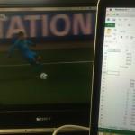 「作業に飽きたら動画を流そう!」 デュアルディスプレイで消音した動画を流しながら仕事をすると